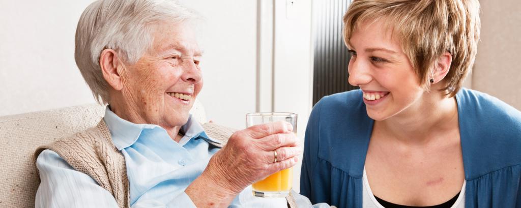 как общаться с пожилой мамой