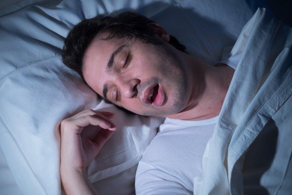 Мужчина перед сном картинки